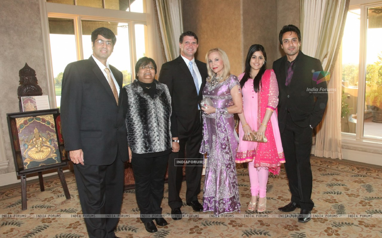 Iqbal Khan with wife Sneha at Indian Film Festival Of Houston (215986) size:1280x800
