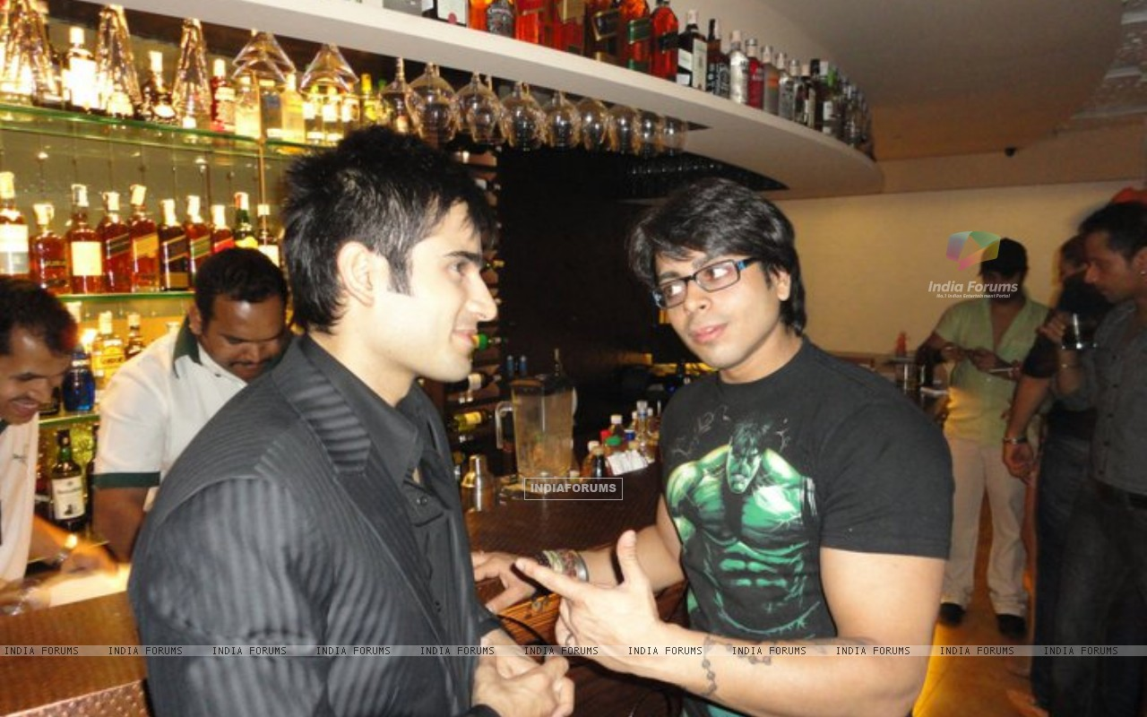 Karan and Jaskaran (216226) size:1280x800