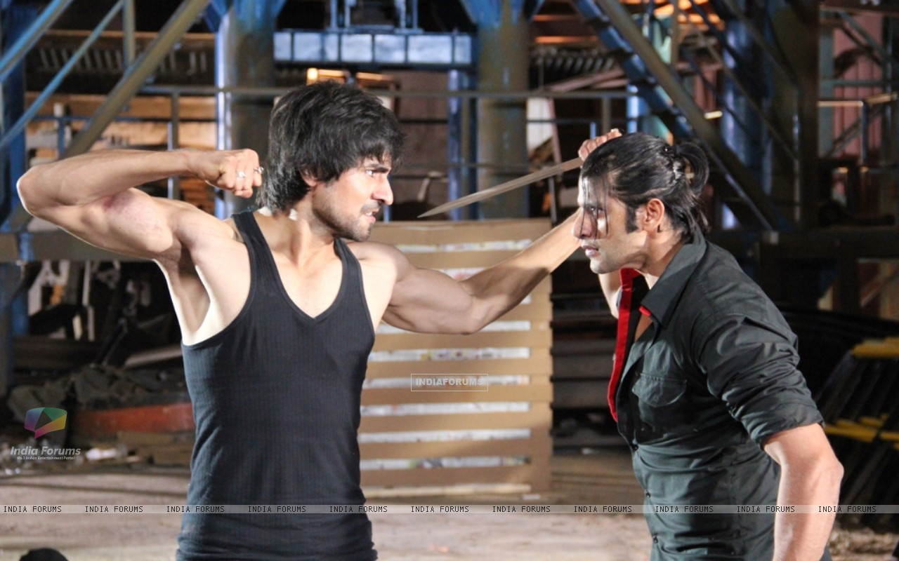 A still of Harshad Chopra and Karanvir Bohra from Dil Se Di Dua Saubhagyavati Bhava (221877) size:1280x800