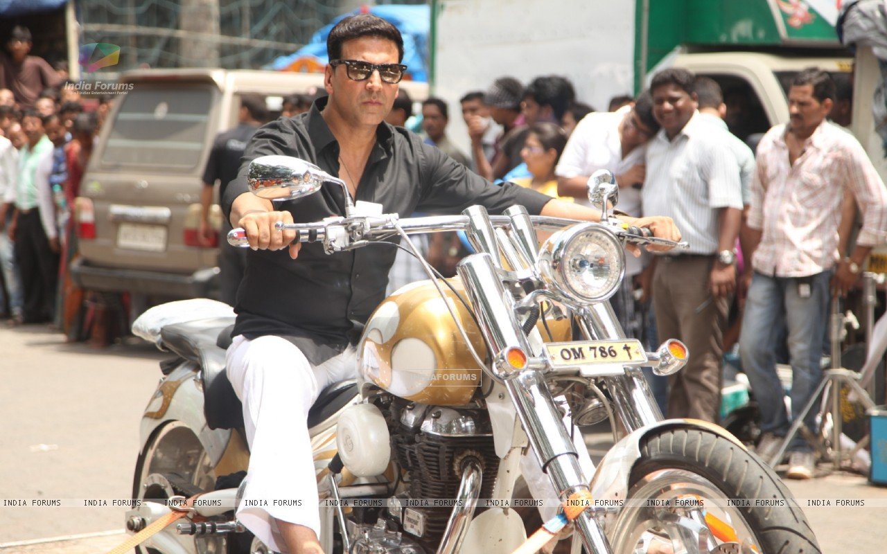 Divine Bike For Akshay Kumar In OMG Oh MyGod (221954) size:1280x800