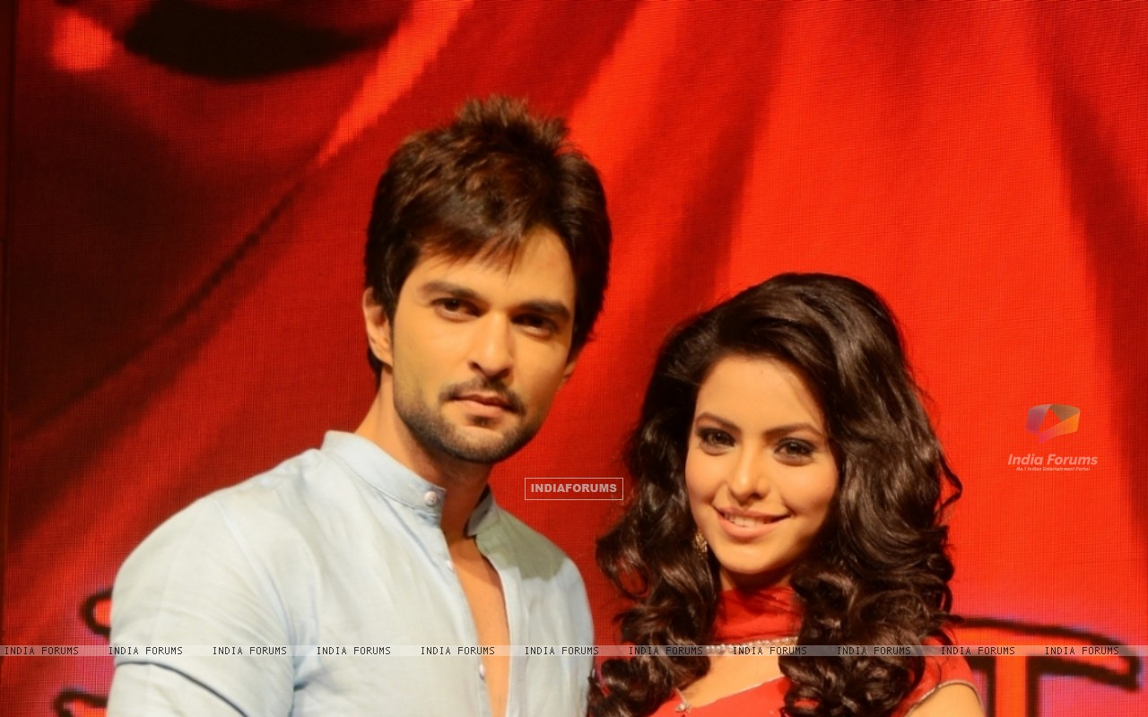 Raqesh Vashihst and Aamna Sharif in Hongey Judaa Na Hum (224373) size:1280x800