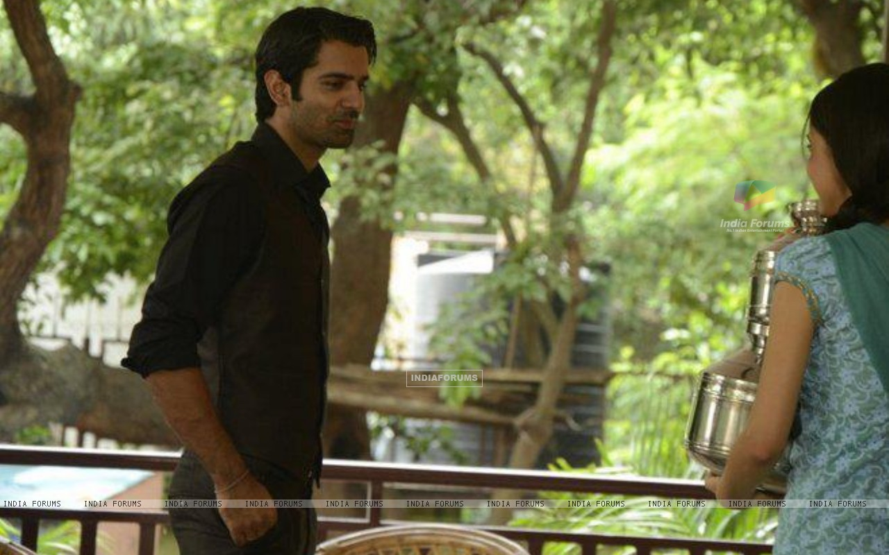 Barun Sobti and Sanaya Irani shooting (228897) size:1280x800
