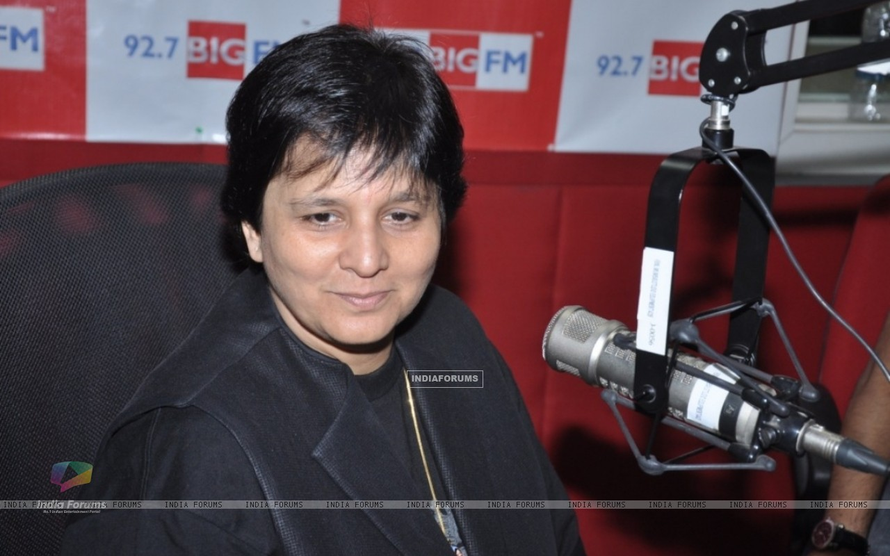 Falguni Pathak at 92.7 FM to announce the biggest navratri utsav (229689) size:1280x800