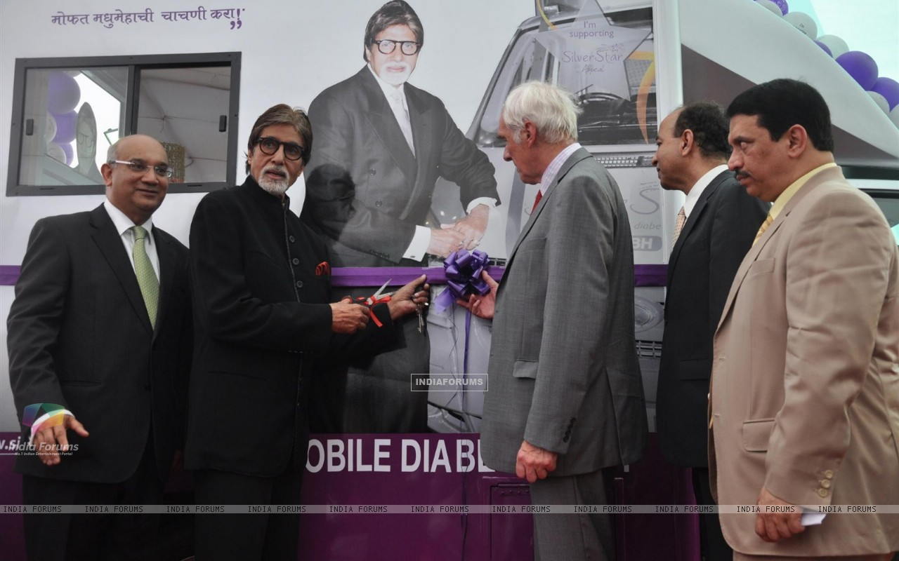 Amitabh Bachchan Launch Mobile Diabetes Van by Seven Hill Hospital (231585) size:1280x800
