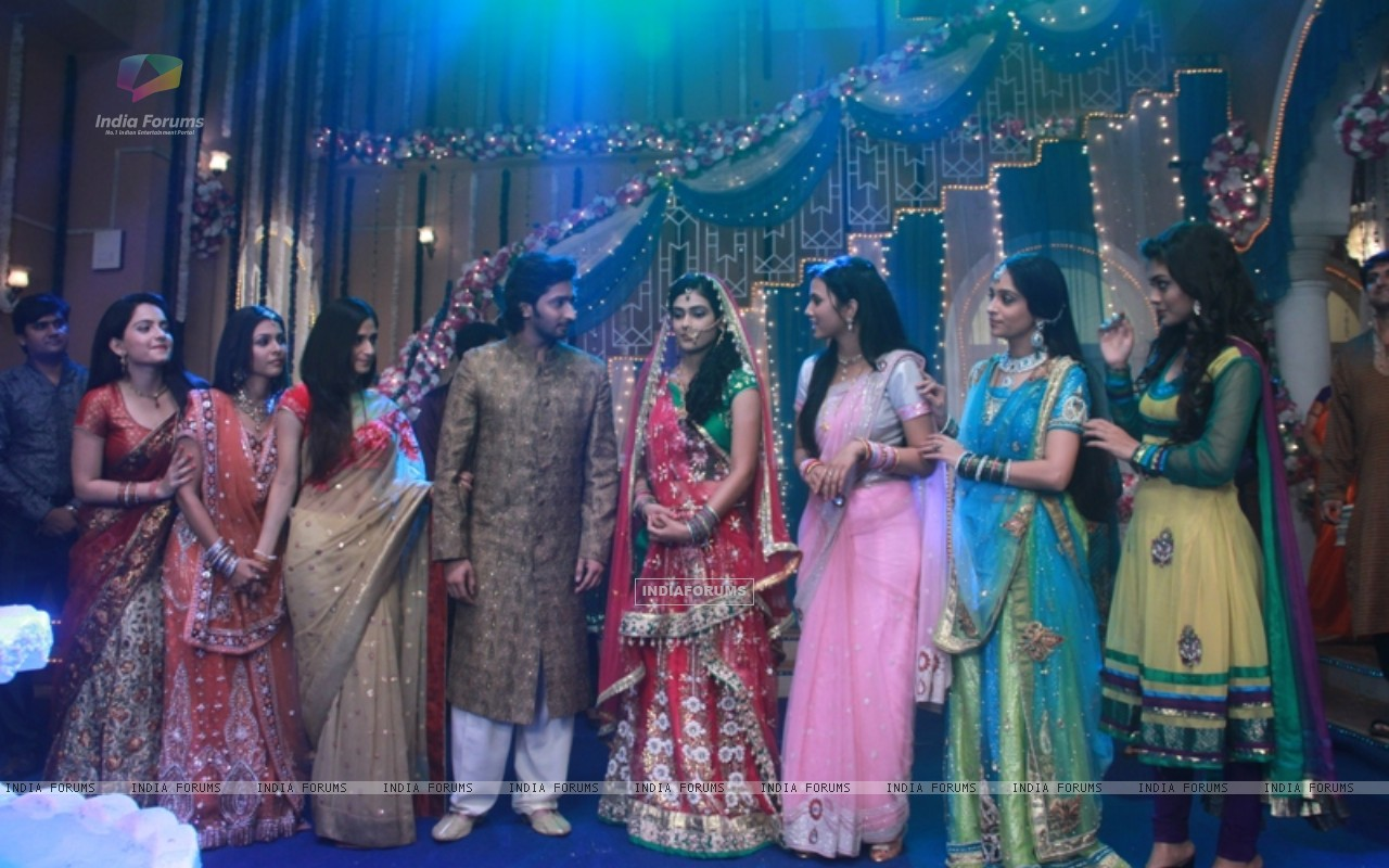 Sangeet ceremony of Mohan and Megha (233022) size:1280x800