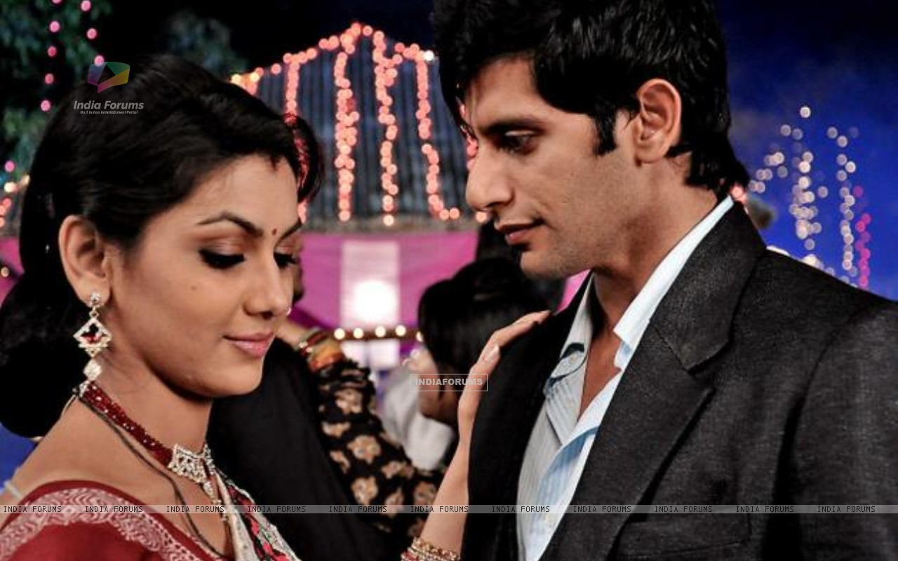 Karanvir Bohra as Viraj Dobriyal & Sriti Jha as Jhanvi Dobriyal (238071) size:1280x800