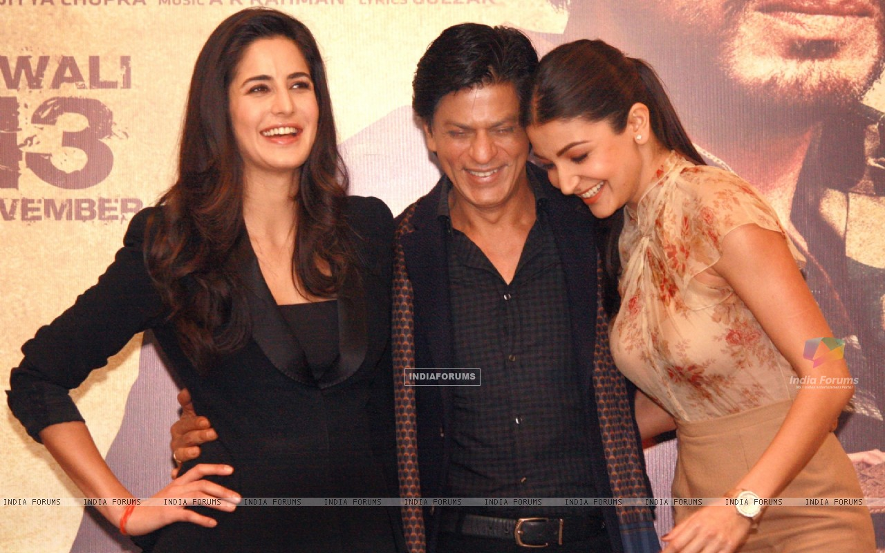 Shahrukh Khan, Katrina Kaif and Anushka Sharma at a press conference for the film Jab Tak Hai Jaan (238948) size:1280x800