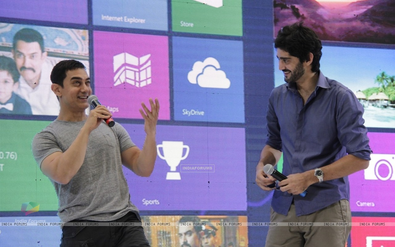 Aamir Khan and Gaurav Kapoor promotes film Talaash with Microsoft Windows 8 (239087) size:1280x800