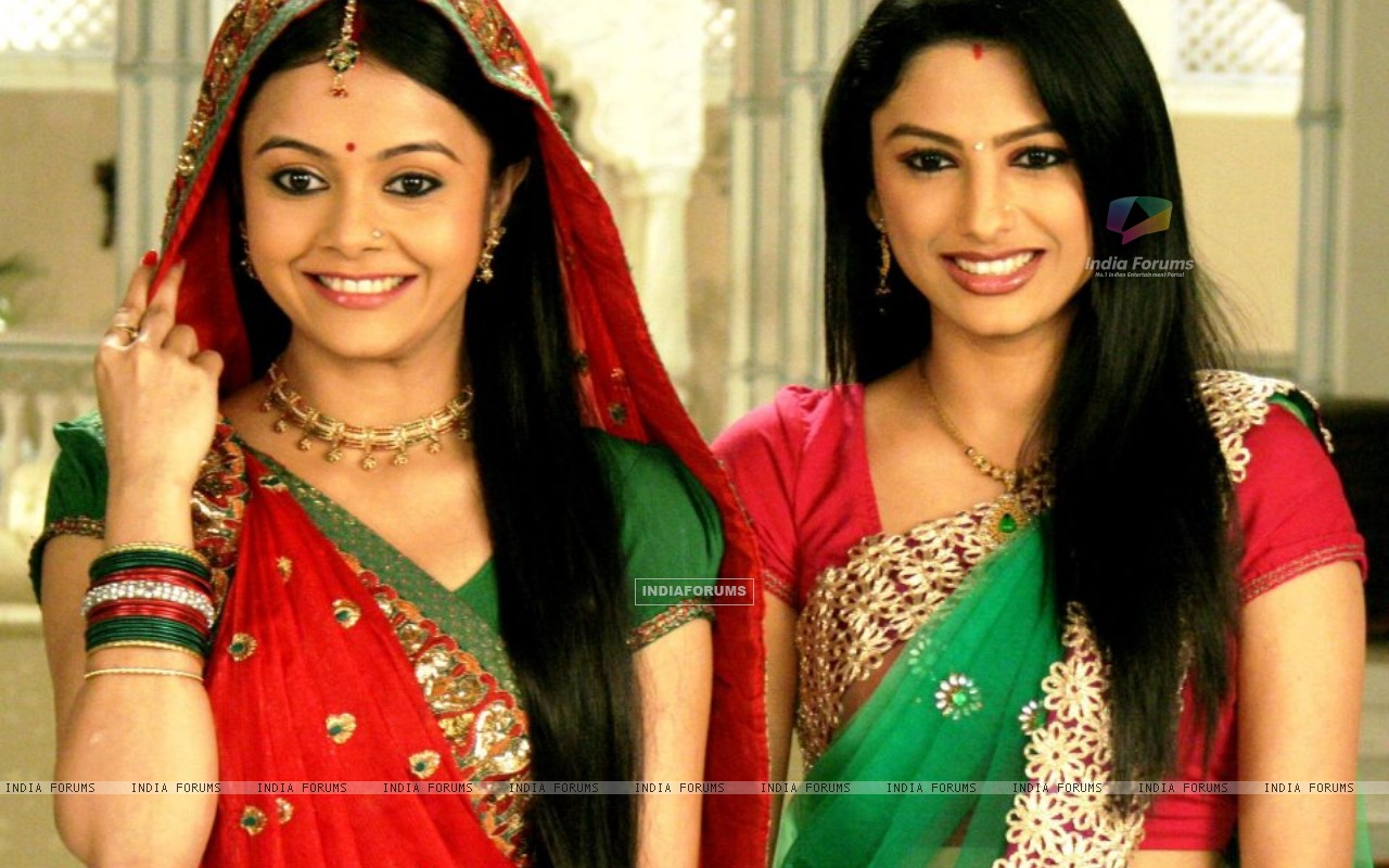 Devoleena and Rucha in Saath nibhana saathiya (239132) size:1280x800