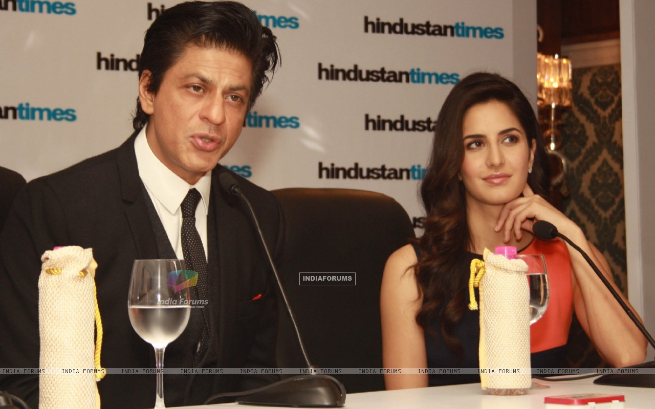 Shahrukh Khan and Katrina Kaif at the Hindustan Times Leadership Summit (239816) size:1280x800