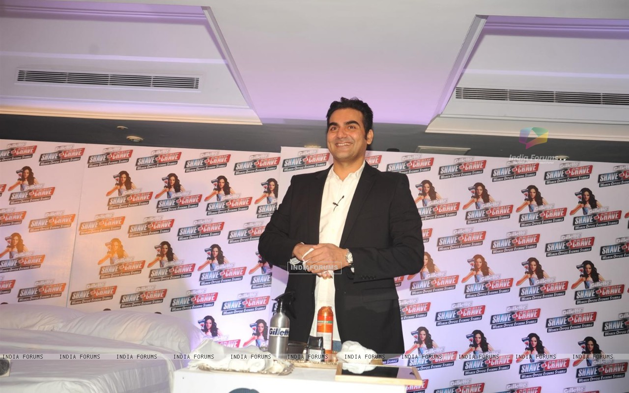 Malaika Arora with husband Arbaaz Khan during an promotional event of Gillette (244218) size:1280x800