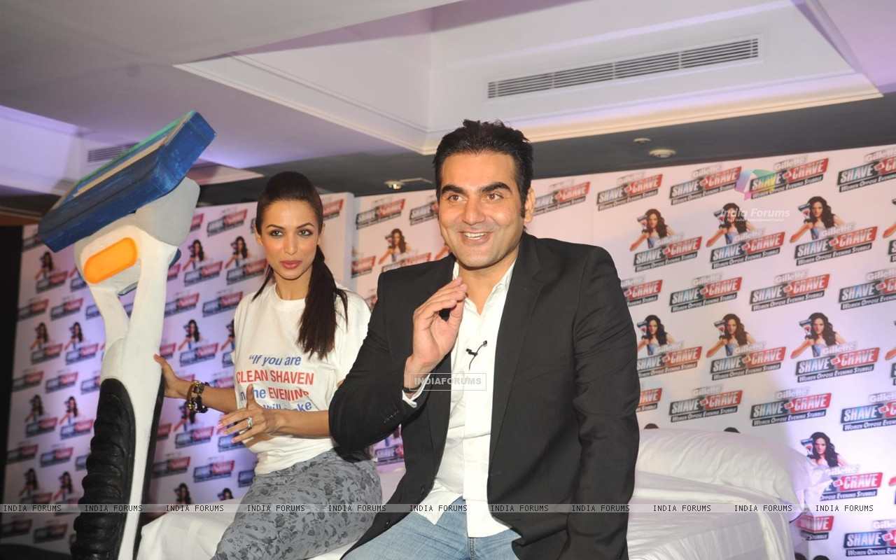 Malaika Arora with husband Arbaaz Khan during an promotional event of Gillette (244219) size:1280x800