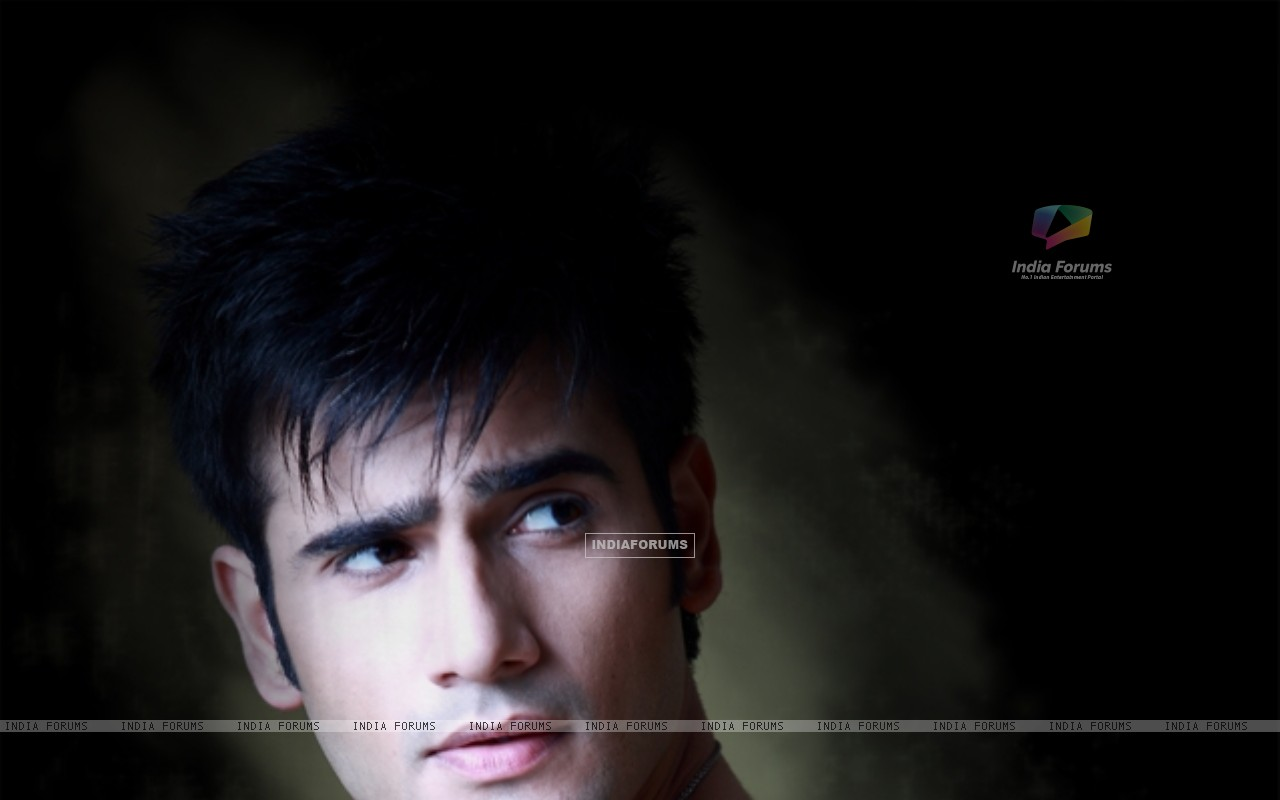 Karan Tacker (249594) size:1280x800