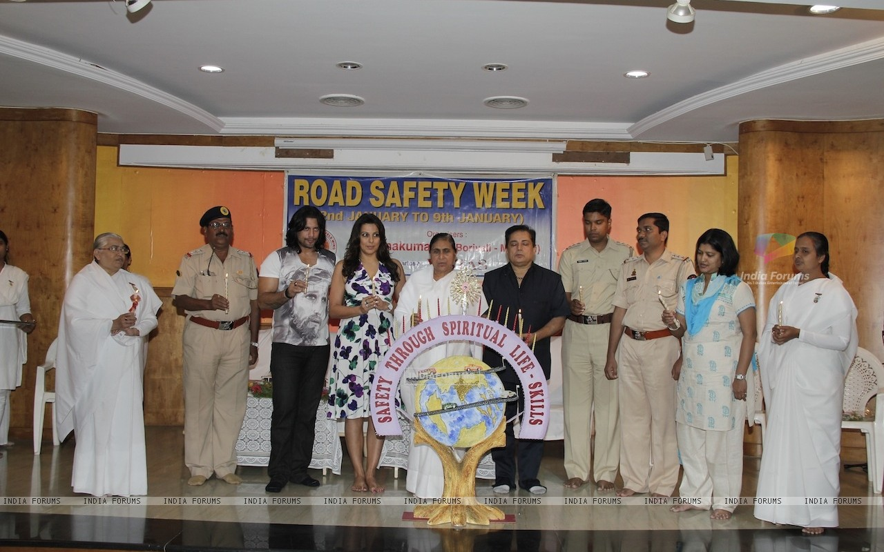 Road Safety Campaign Launch by Pooja Bedi at Bramhakumaris Borv east (249974) size:1280x800