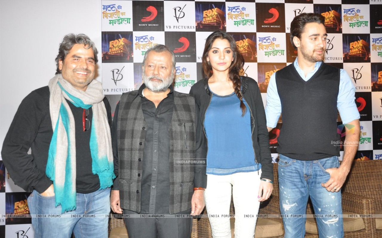 Press Meet Film Matru ki Bijlee ka Mandola (251382) size:1280x800