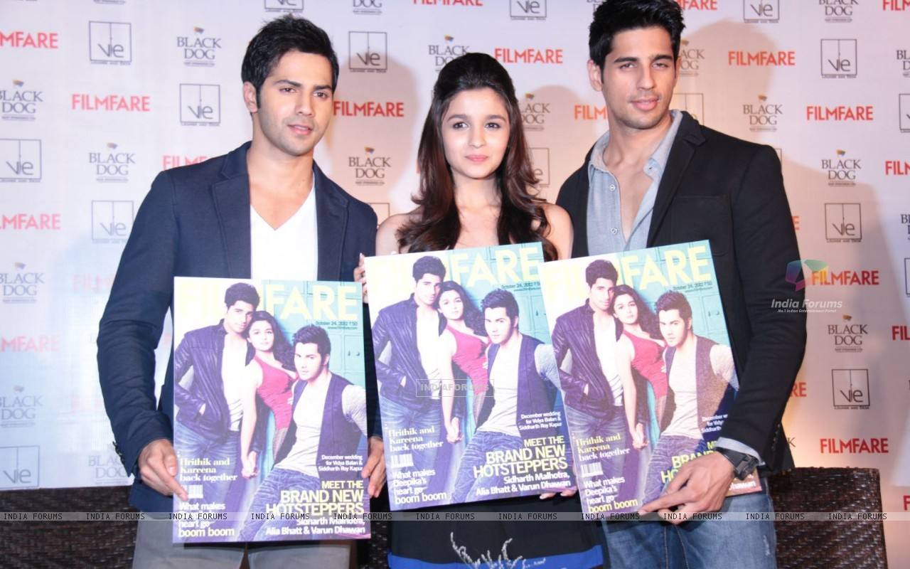Alia, Varun and Siddharth (258681) size:1280x800
