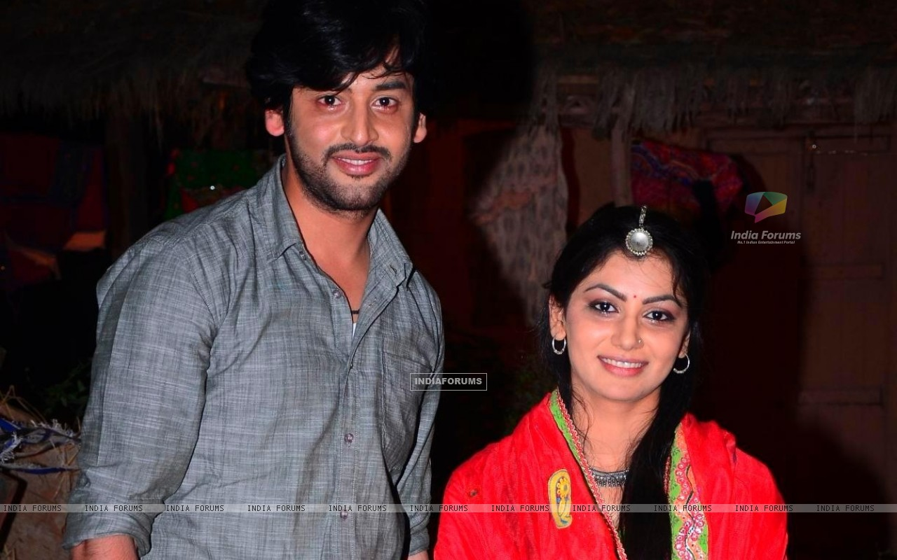 Shashank Vyas and Sriti Jha as Jagya and Ganga in Balika Vadhu (258828) size:1280x800