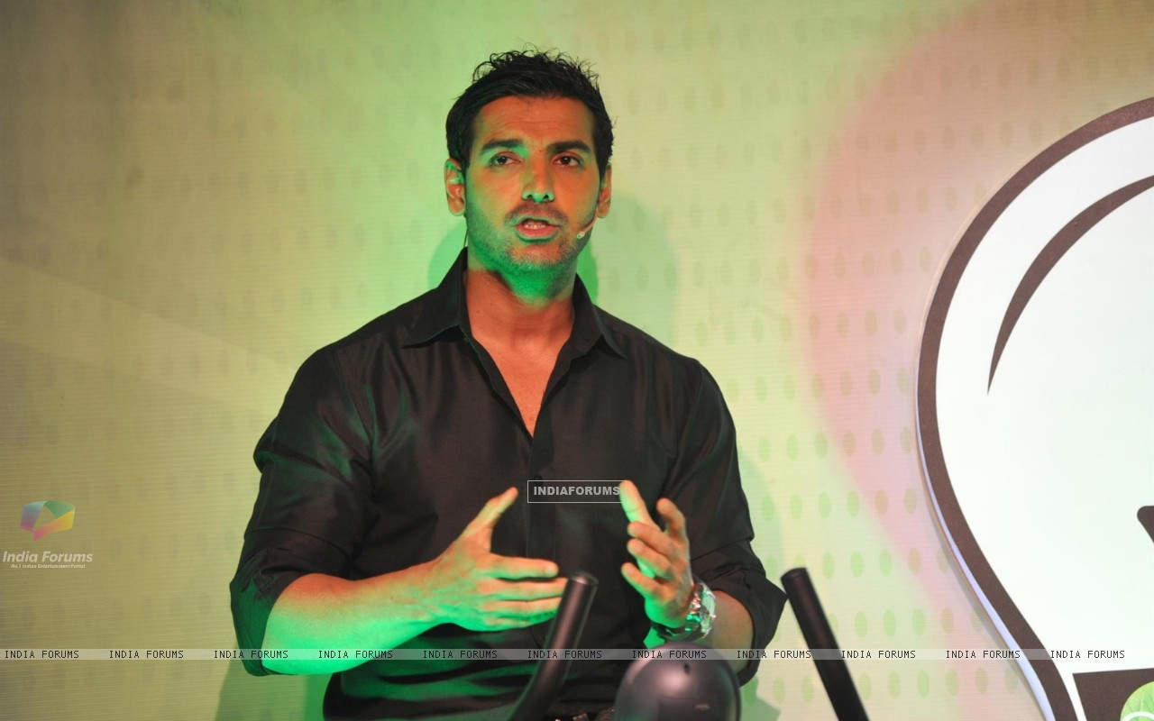 John Abraham with Garnier Men launched a unique social campaign of Power Light A Village (269674) size:1280x800