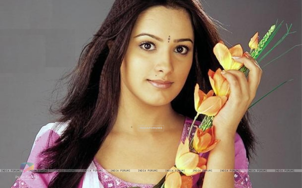 Anita Hassanandani - Picture Colection