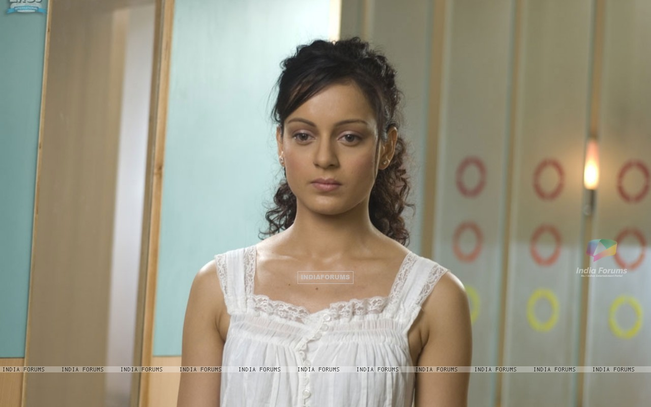Kangna Ranaut looking depressed (31469) size:1280x800