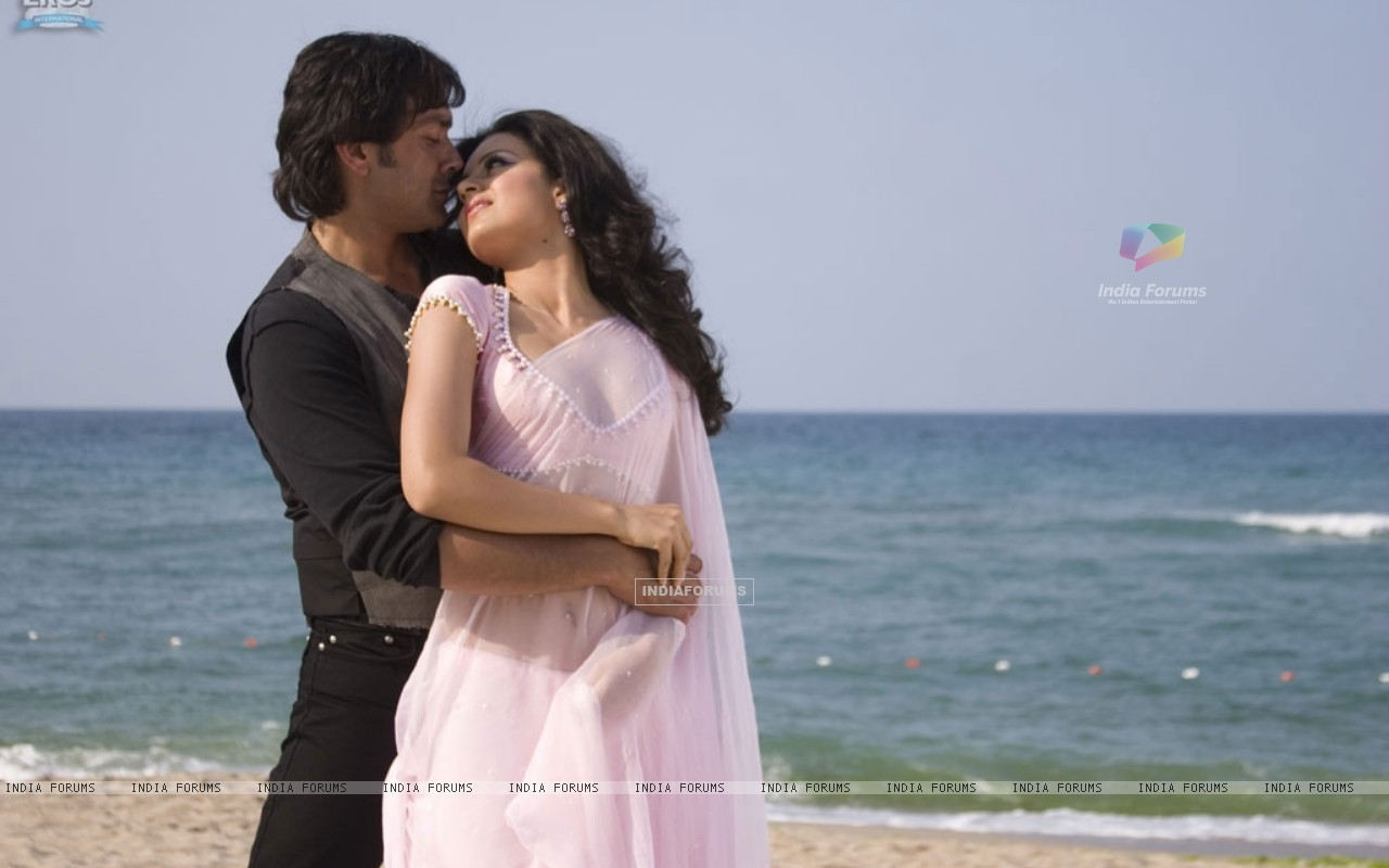 Bobby and Kangna romantic scene (31484) size:1280x800