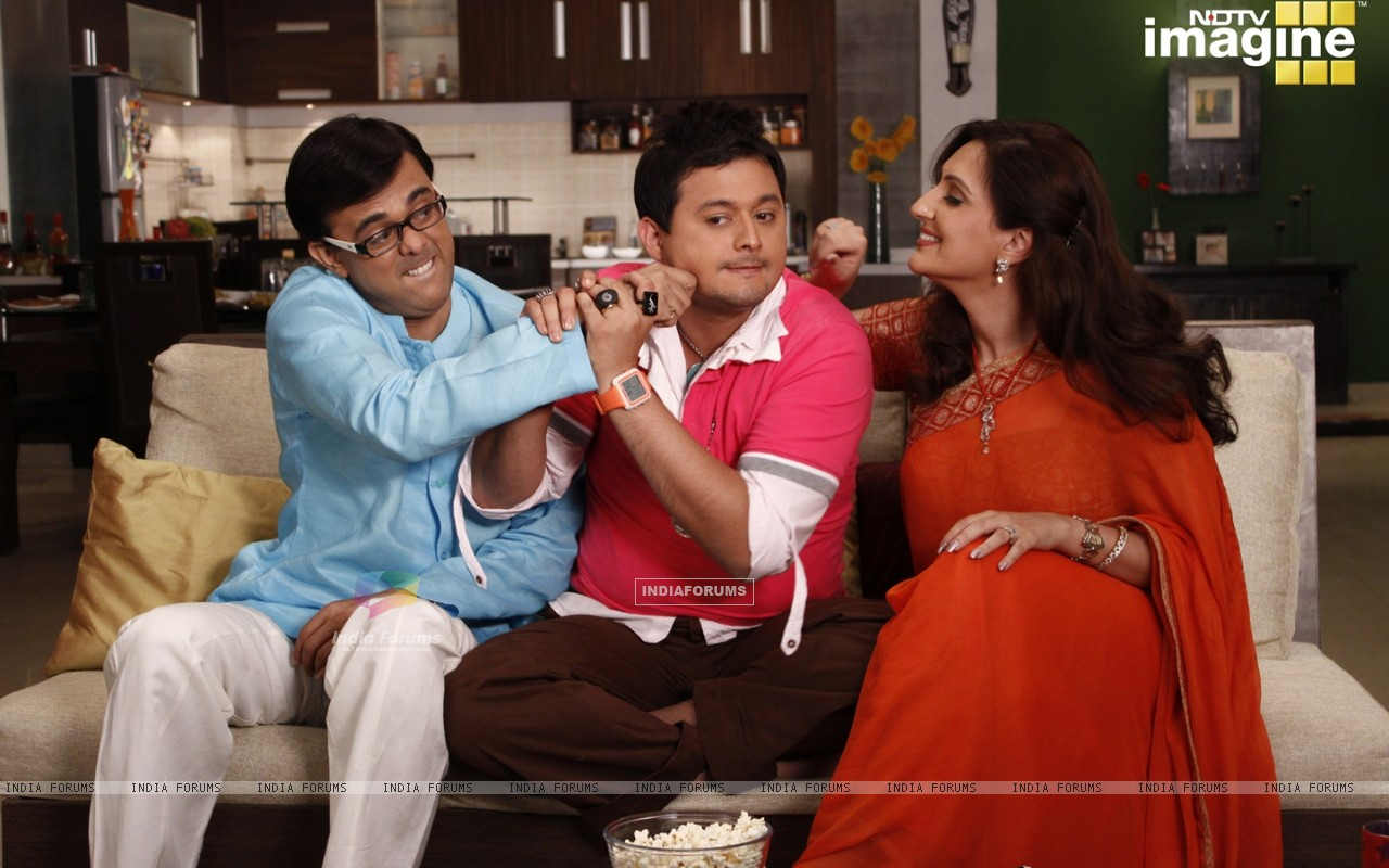 Radhika and Rajdeep doing joking with Kapil (37394) size:1280x800