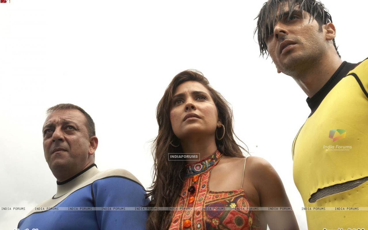 Lara Dutta with Sanjay Dutt and Zayed Khan (37809) size:1280x800