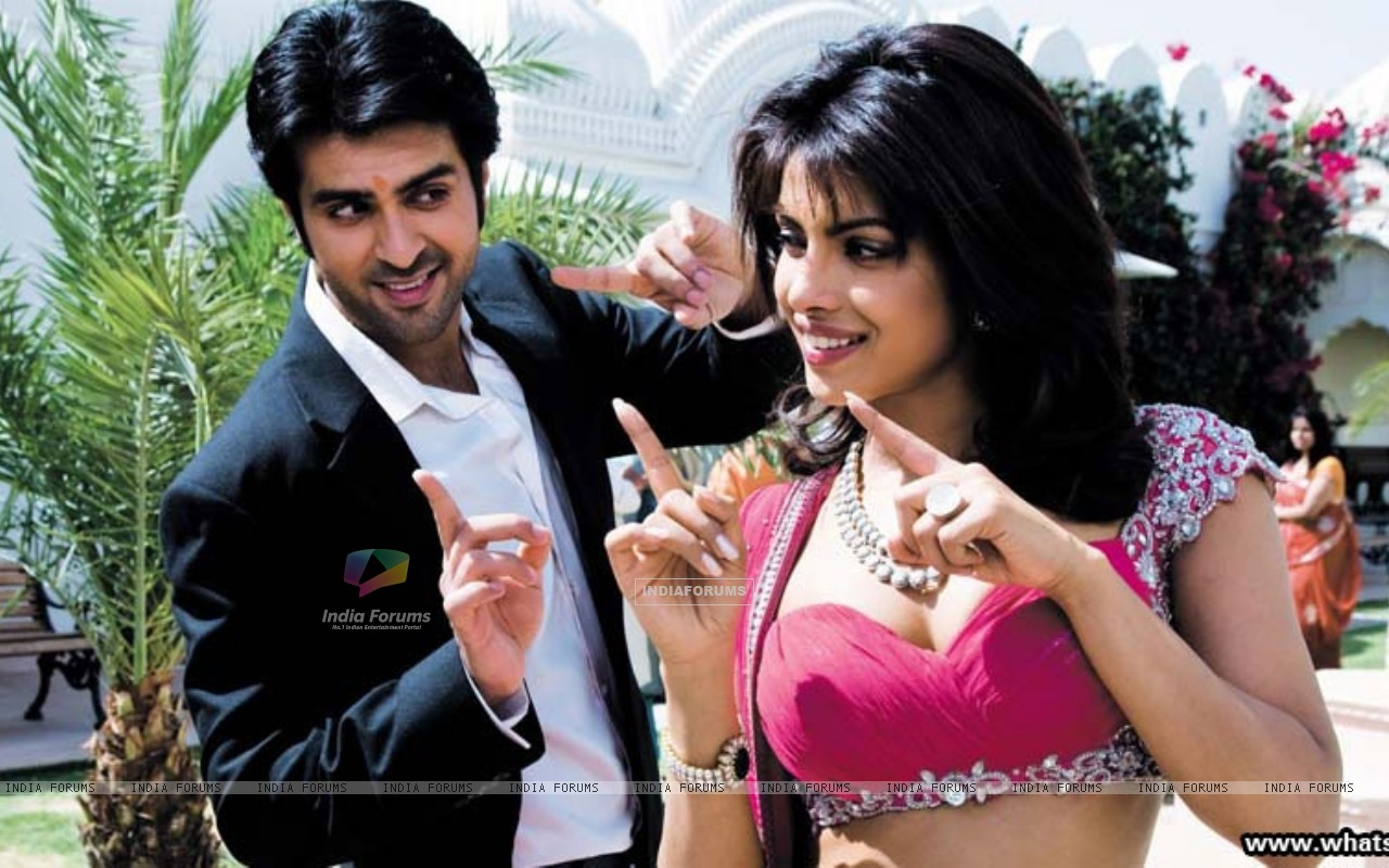 Priyanka Chopra and Harman Bewaja dancing (37888) size:1280x800