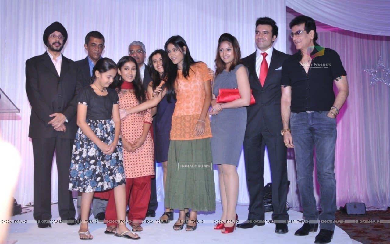 The cast and crew at the launch of Bayttaab Dil Kee Tamanna Hai (38571) size:1280x800