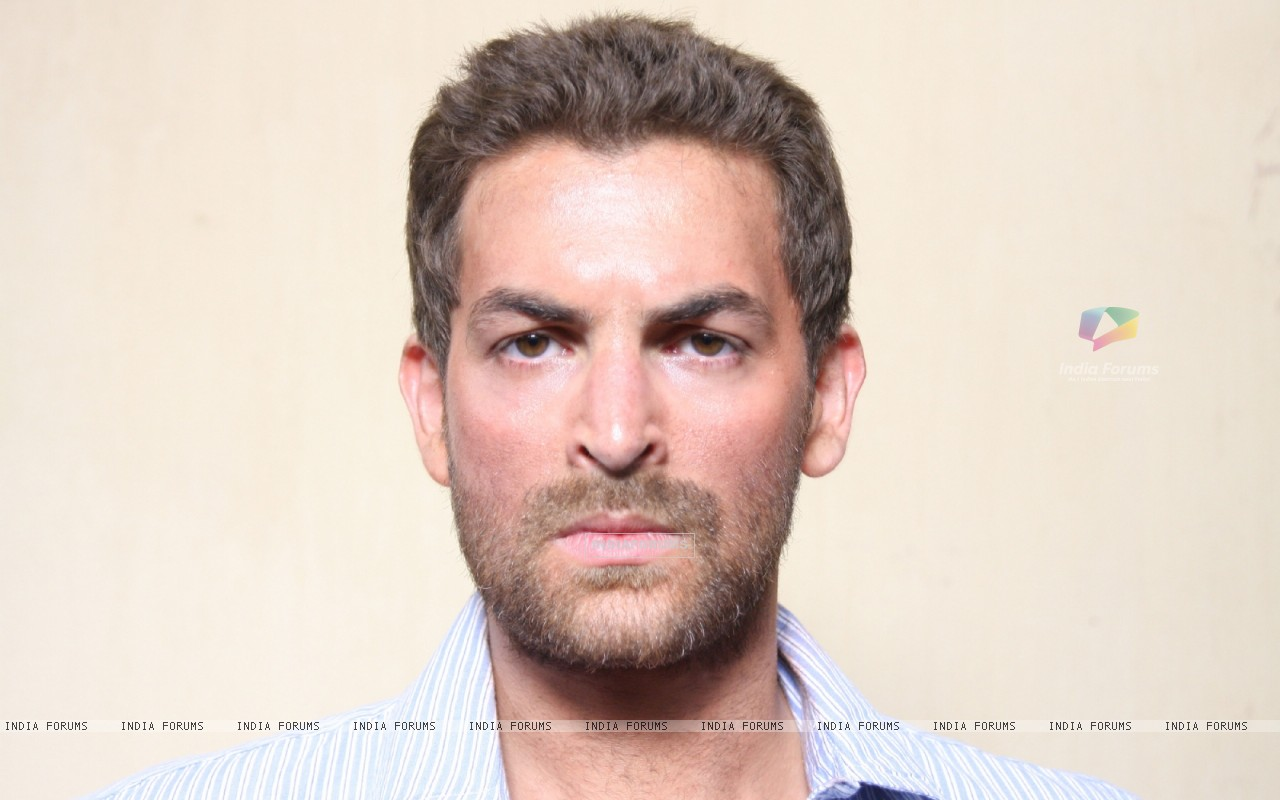 A still image of Neil Nitin Mukesh (38583) size:1280x800