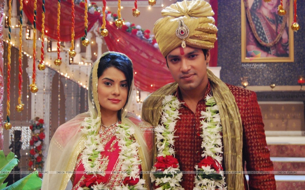 Arjun and Lolita wedding picture (39572) size:1280x800