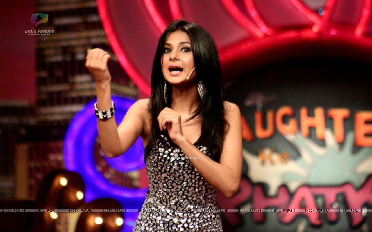 Jennifer Winget in Laughter Ke Phatke show (41409) size:1280x800
