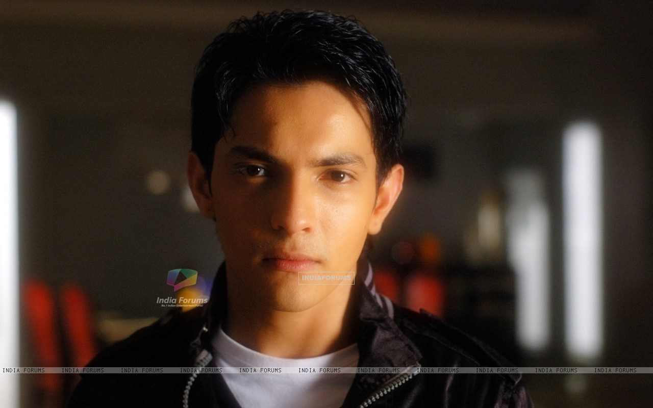 Aditya Narayan in the movie Shaapit (56543) size:1280x800