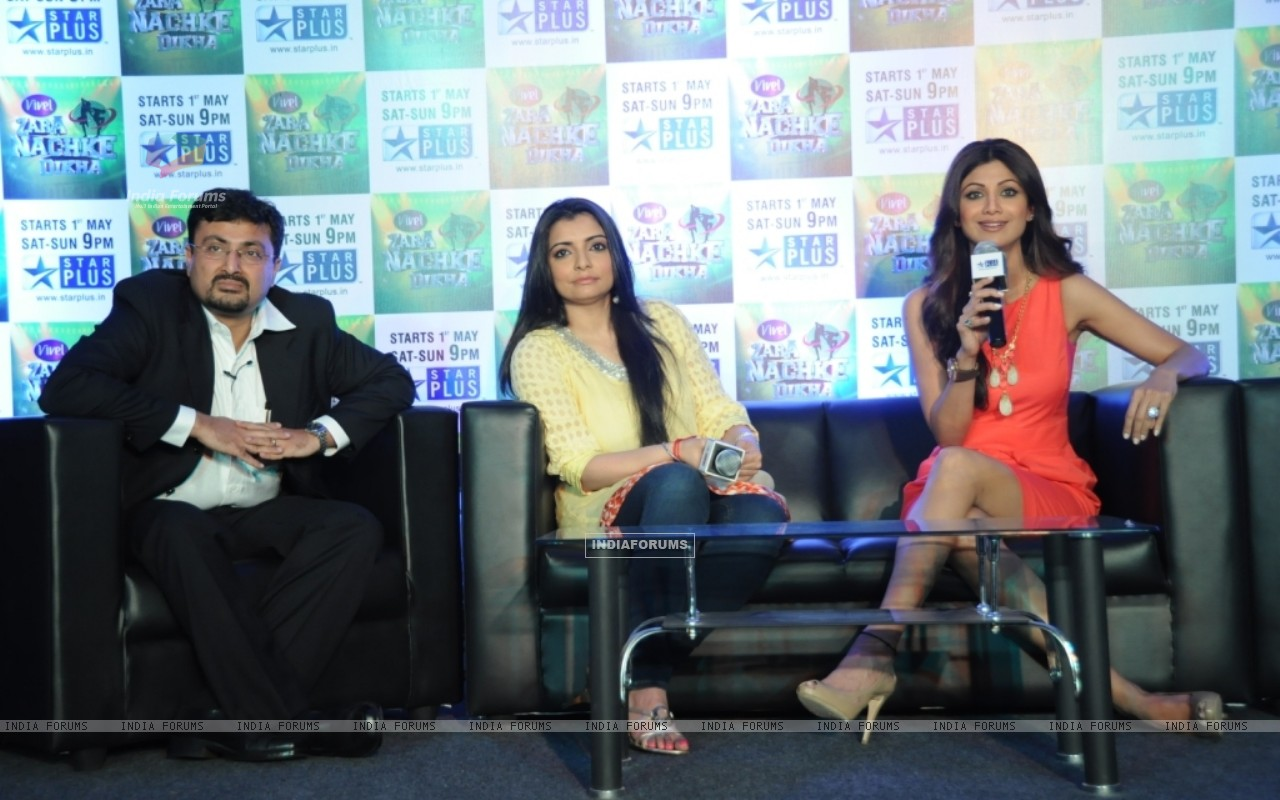 Anupam Vasudev (evp Marketing Star Plus), Vaibhavi Merchant and Shilpa Shetty (60221) size:1280x800