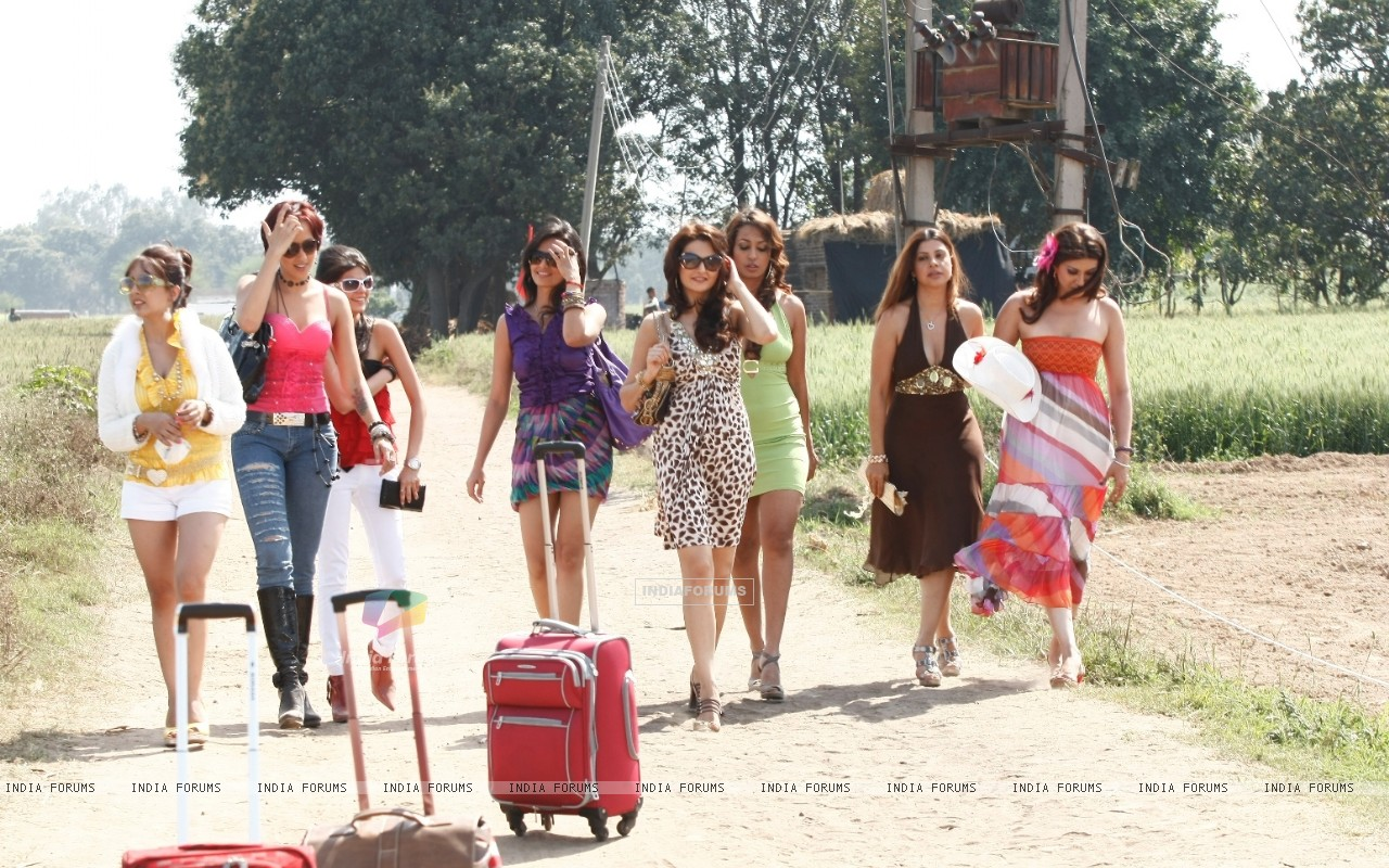 Participants of tv show Desi Girl (65865) size:1280x800