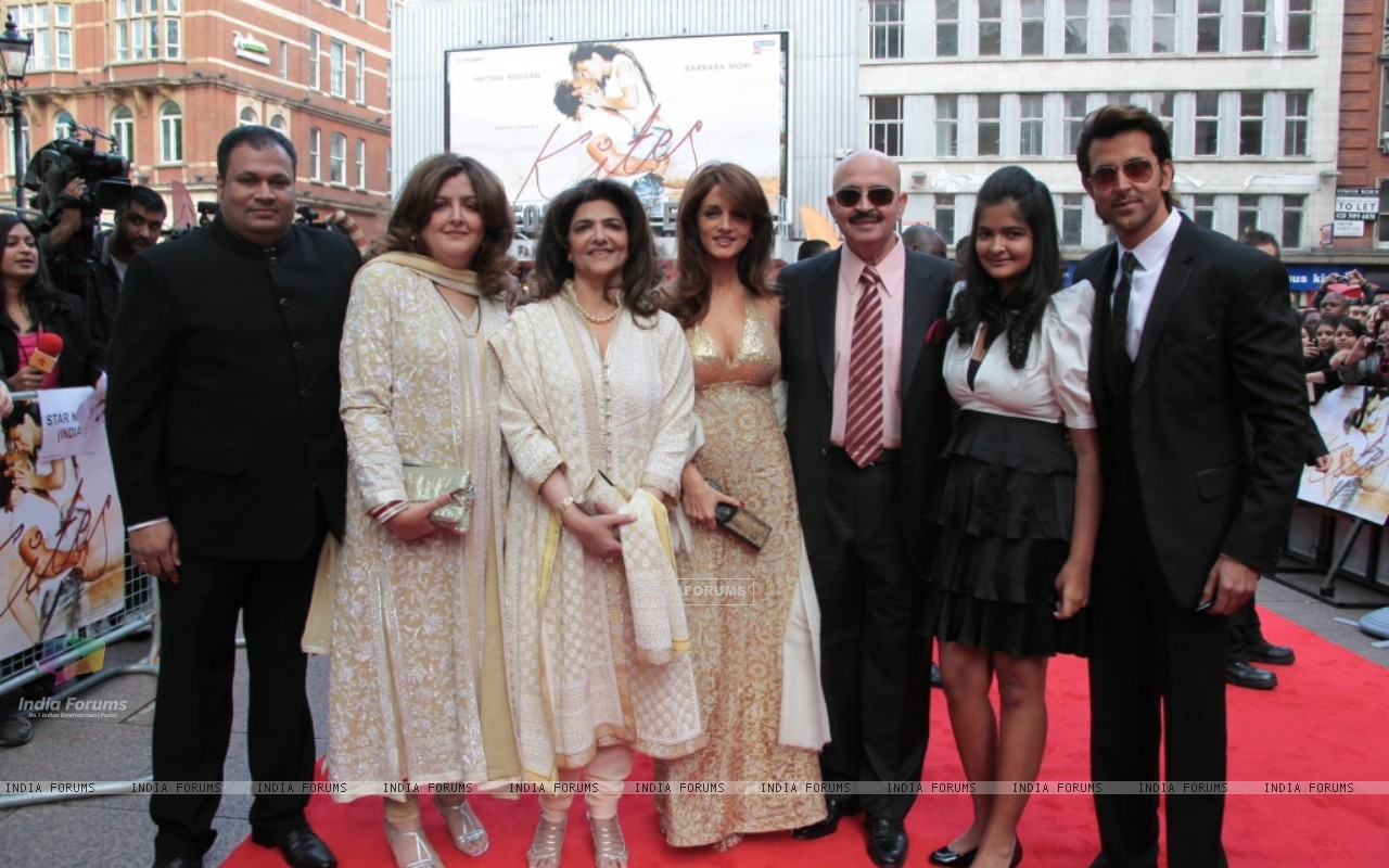 Suzanne Roshan, Rakesh Roshan and Hrithik Roshan attends the European premiere of ''Kites'' at Odeon West End in London (87753) size:1280x800