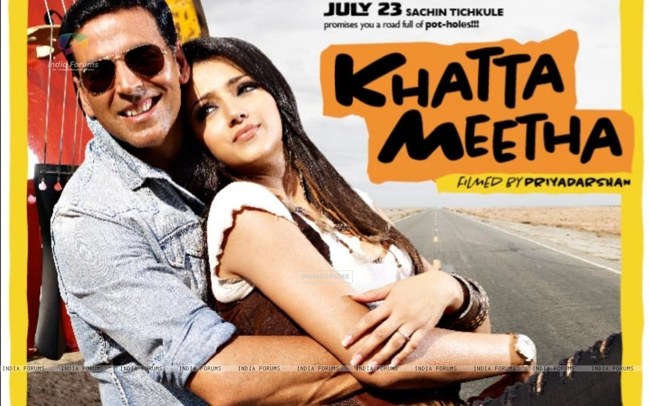 Khatta Meetha(2010) movie poster with Akshay and Trisha (89499) size:1280x800