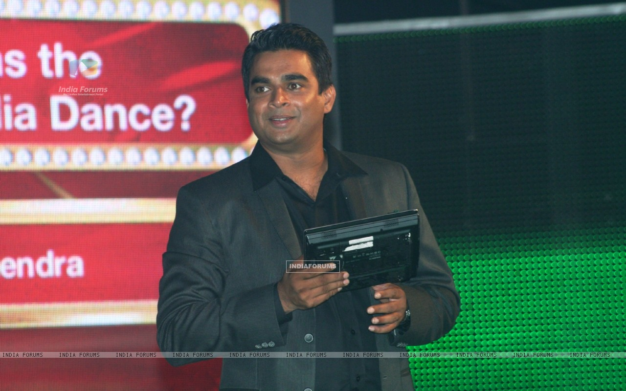 R. Madhavan as a host (90982) size:1280x800