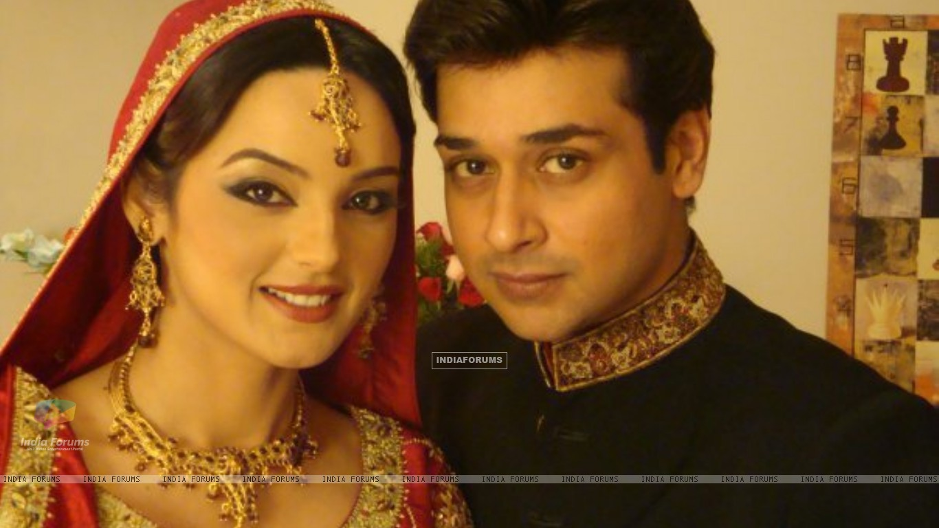 Sadia Khan and Faisal Qureshi in serial Variaan (160096) size:1366x768