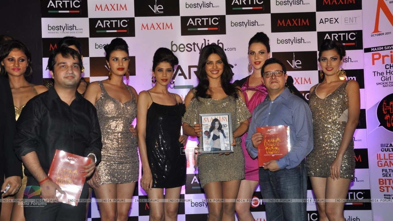 Priyanka Chopra at Maxim Magazine's new cover launch at Vie Lounge in Juhu, Mumbai (163658) size:1366x768