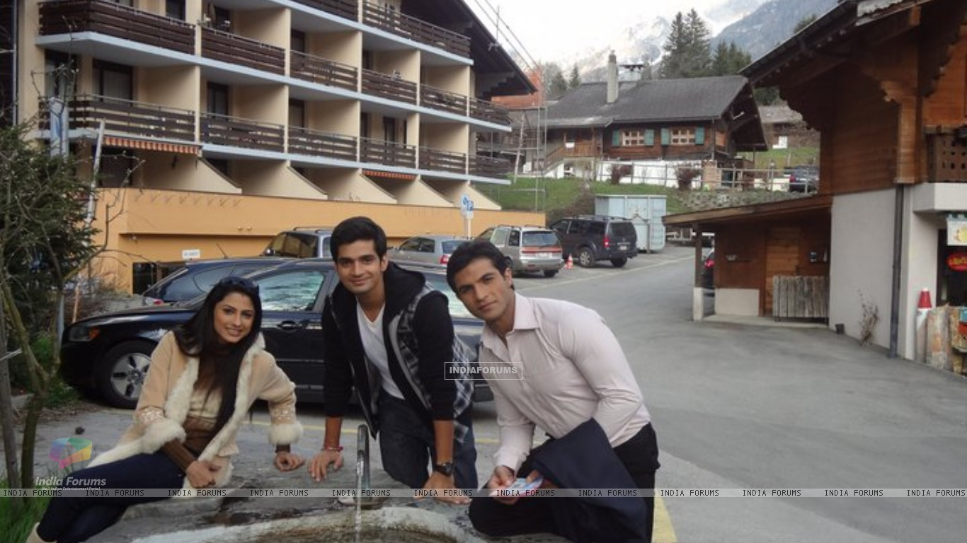 Saath Nibhana Saathiya cast in Switzerland (168457) size:1366x768