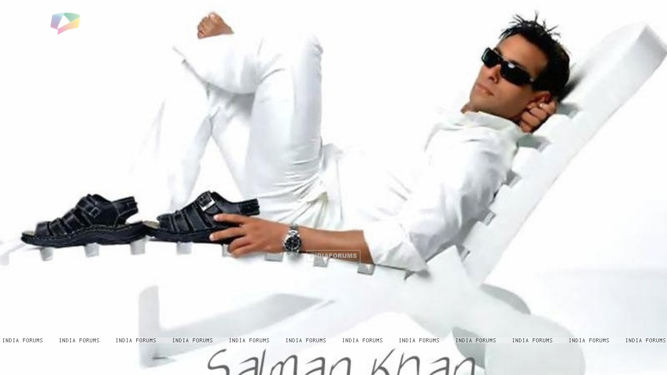 http://img.india-forums.com/wallpapers/1366x768/18278-salman-khan.jpg