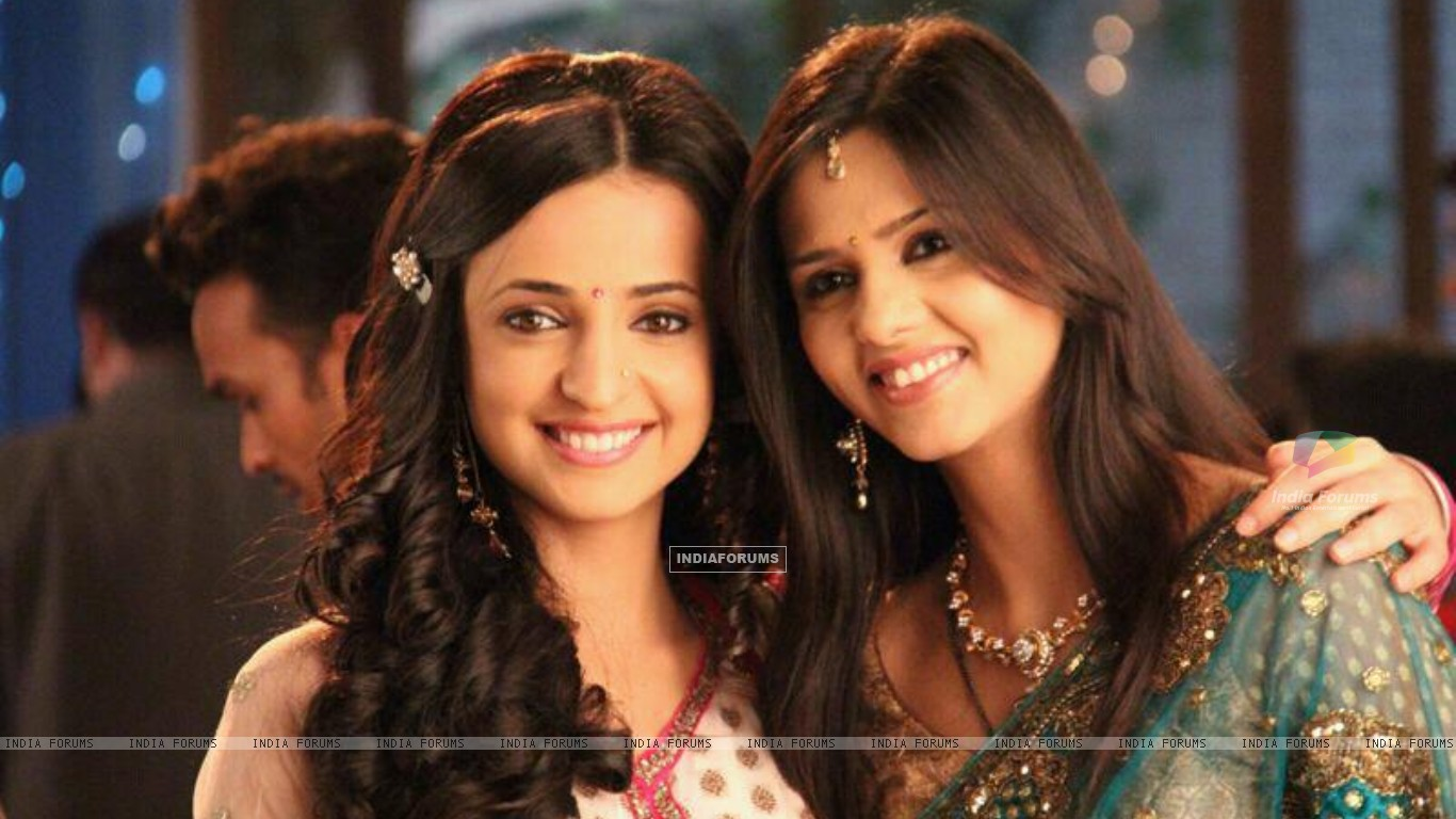 Daljeet with Sanaya on set (183549) size:1366x768