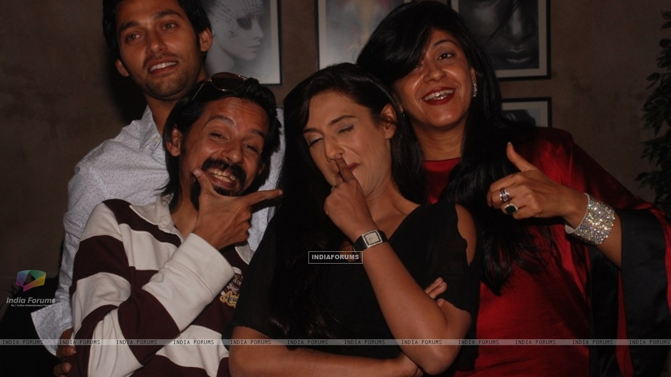 Rati Pandey, Sumit Vats, Ila Bedi Dutta at celebration of 100 episodes of Hitler Didi (191552) size:1366x768