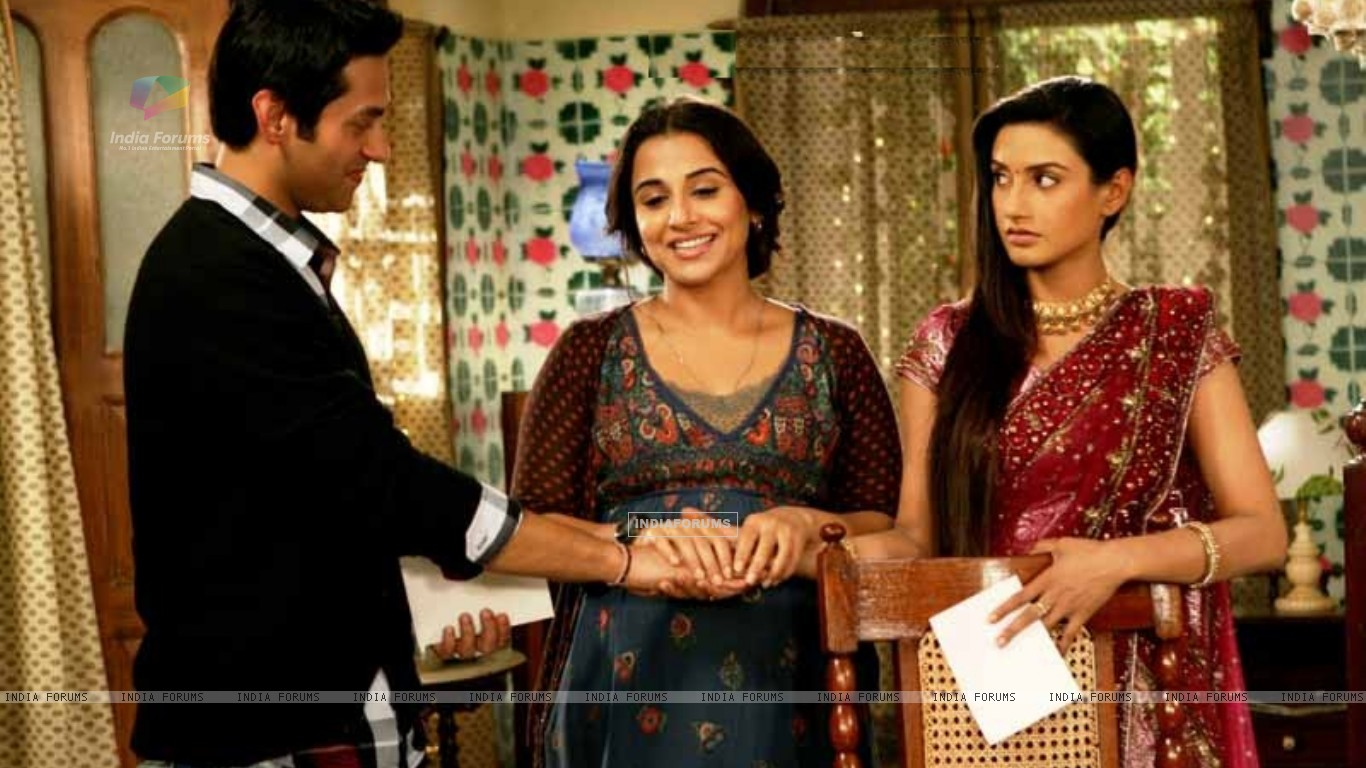 Rati Pandey & Sumit Vats in Hitler Didi with Vidya Balan promoting Kahaani (196378) size:1366x768