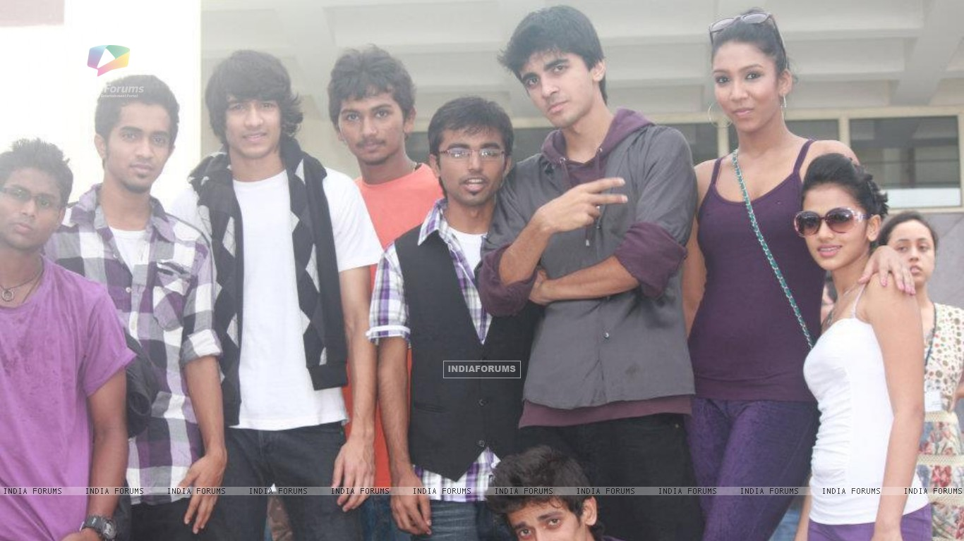Shantanu Maheshwari at college (197632) size:1366x768