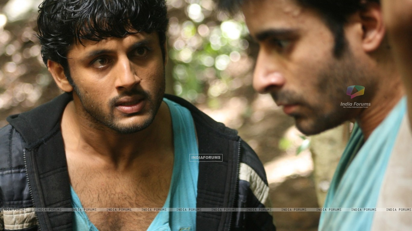 Nitin shouting on Gautam Rode (20394) size:1366x768