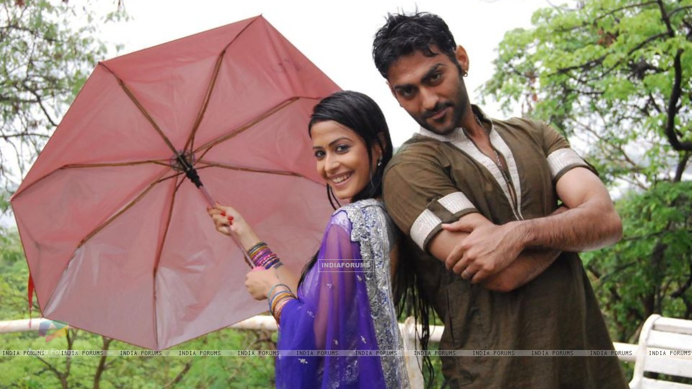 Dimple as Nimrit and Navi as Agam (204812) size:1366x768