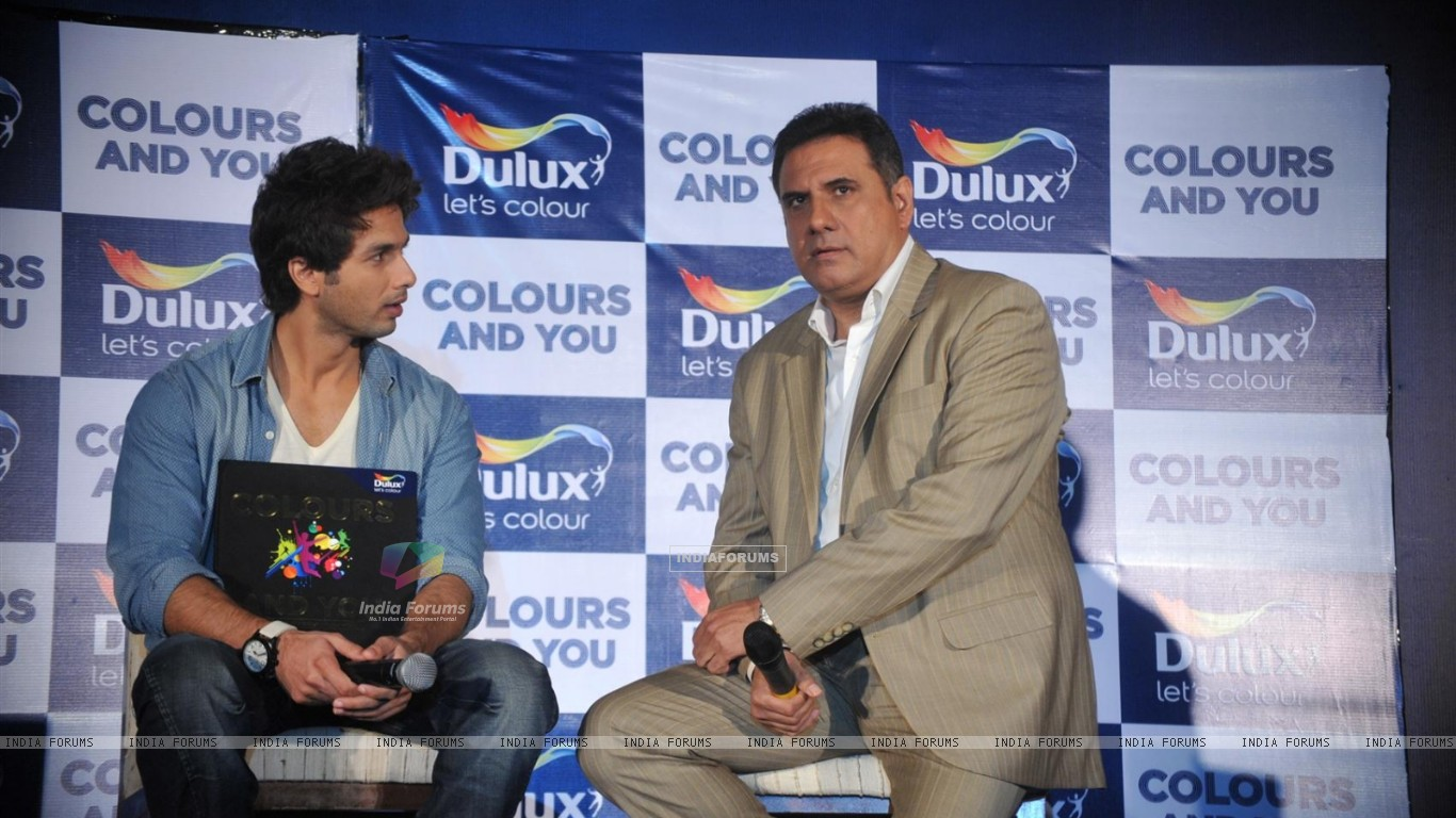 Shahid and Boman Irani at Dulux let's colour event (216927) size:1366x768