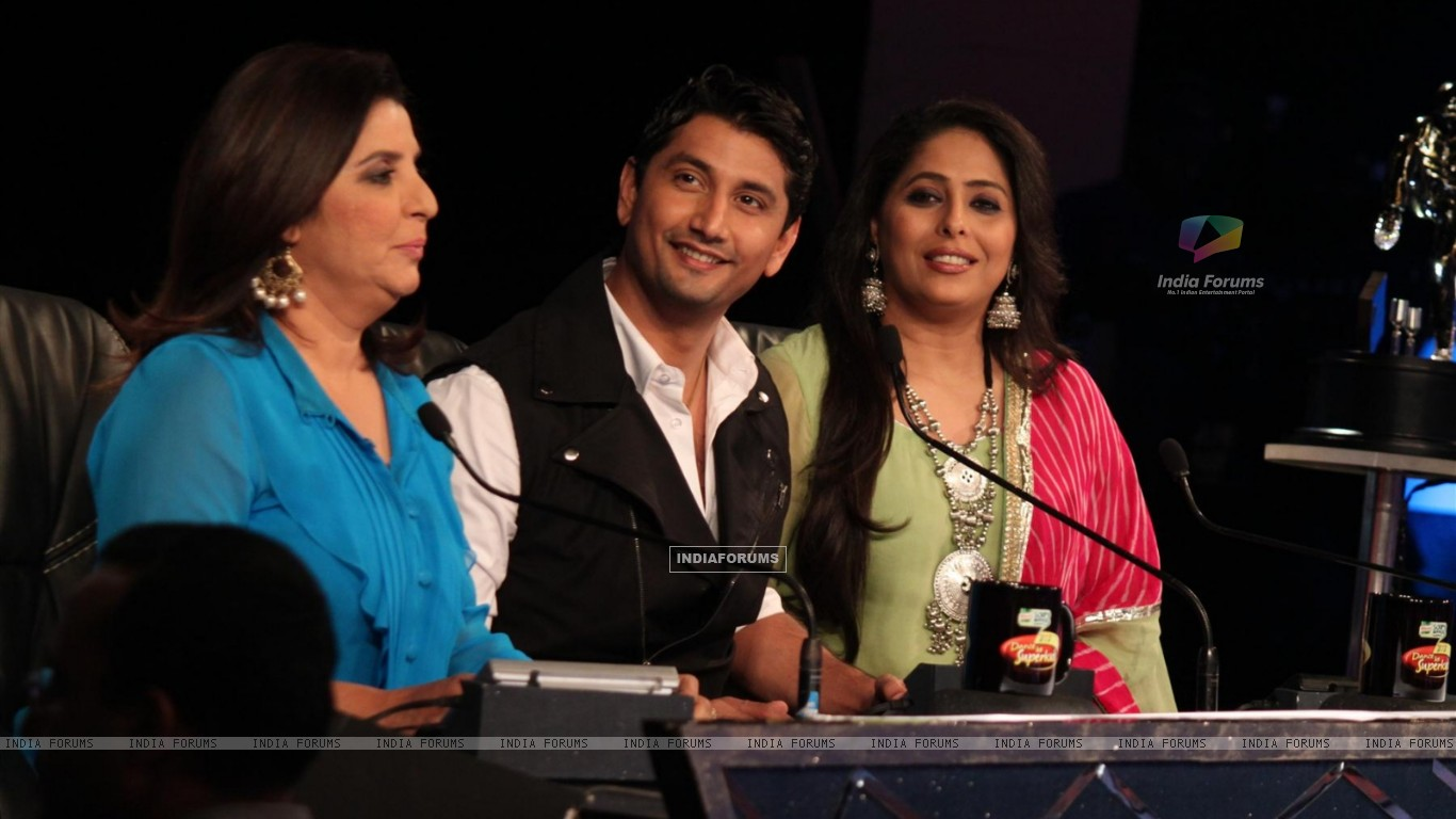 Farah Khan, Marzi Pestonji and Geeta Kapur on the sets of Dance India Dance (224203) size:1366x768